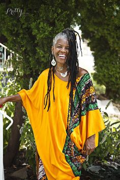 dreads on old pretty people Beautiful Black Women, Beautiful People, Pretty People, Advanced Style, Dreadlocks, Dreadlock Rasta, Dreadlock Styles, Ageless Beauty, Going Gray