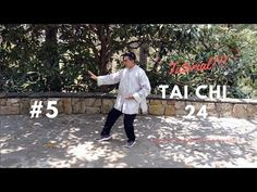 Tia Chi can help with fibromyalgia and other conditions. Kundalini Reiki, Reiki Meditation, Meditation Music, Qi Gong, Thai Chi, Tai Chi Qigong, Michelle Lewin, Boxing Workout, Wing Chun
