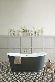 LA ROCHELLE CAST IRON BATEAU BATH from The Cast Iron Bath Company