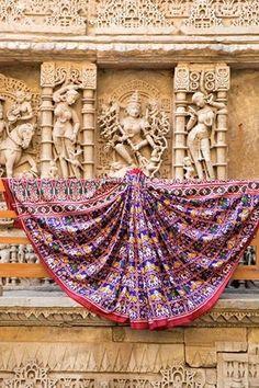 Madhvi Handicrafts   TRADITIONAL BEAUTI OF WARP & WEFT   PATAN DOUBLE IKAT PATOLA    For inquaries call or whatsapp : +91 9638091196