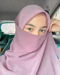 Hijab Chic, Muslim Girls, Beautiful Hijab, Niqab, Womens Fashion, Celestial, Instagram, Women's Fashion, Woman Fashion