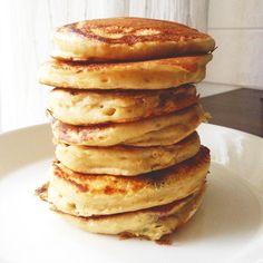 Perusresepti: Pulleat pannarit   Maku Baking Recipes, Snack Recipes, Dessert Recipes, Yummy Pancake Recipe, Delicious Desserts, Yummy Food, Pancakes, Cocktail Desserts, Food Test