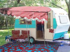 click over for a whole bunch o' red & aqua pretty. and it's a yes please on this trailer! :)