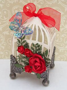 Artfull Crafts - using Tim Holtz's birdcage die