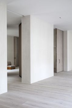 Monte Esquinza is a minimalist interior located in Madrid, Spain, designed by OOAA Minimalist Interior, Minimalist Home, Minimalist Design, Home Room Design, House Design, Contemporary Interior Doors, Interior Architecture, Interior Design, Internal Doors