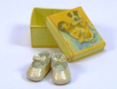 dollhouses baby shoes