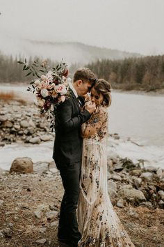 This A-Frame Cabin Elopement Inspiration is the Epitome of The PNW A little rain + moody florals + bohemian decor = the most romantic forest elopement Elope Wedding, Wedding Couples, Boho Wedding, Destination Wedding, Dream Wedding, Church Wedding, Wedding Hair, Wedding Gowns, Space Wedding