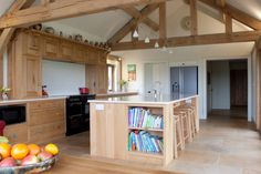 Fitted Oak Kitchen : Classic style kitchen by David Holliday Kitchens