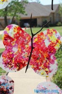 Spring activities for preschoolers - butterfly suncatchers