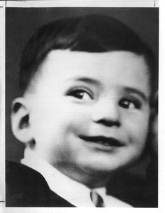 Uziel Shpiegel, A child who perished in Auschwitz.