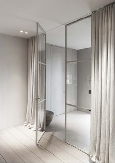 Idea for fixed glass with just one door but able to make more private with drapey cuertains