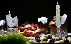 Como organizar o cardápio para a festa do Natal?  As comidas e bebidas deverão acompanhar o tipo de festa que você vai oferecer. Você mesma pode fazer os pratos, entradas e sobremesas que serão...