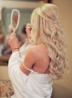 Trendy wedding hairstyles with bangs half up haircuts ideas Wedding Hairstyles Half Up Half Down, Wedding Hairstyles For Long Hair, Hairstyles With Bangs, Elegant Hairstyles, Vintage Hairstyles, Vintage Updo, Half Updo, Formal Hairstyles Down, Hairstyle Ideas