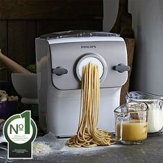 With the Philips Pasta & Noodle Maker, making fresh and flavourful pasta and noodles has never been easier. A fully automated solution, the Philips Pasta & Noodle Maker will help you create 500 grams of homemade pasta in just 15 minutes. Cool Kitchen Gadgets, Cool Kitchens, Kitchen Inventions, Kitchen Stuff, Kitchen Tools, Kitchen Ideas, Kitchen Design, Kitchen Decor, Noodle Maker
