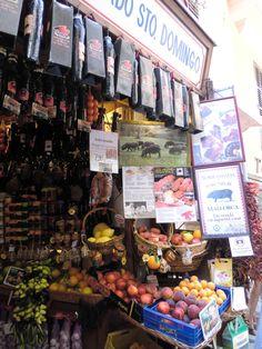 Mallorquinische Delikatessen im Colmado Santo Domingo in Palma de Mallorca
