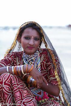 Portrait of a Thar Desert dancer. Photo by Jolly Sienda Photography.