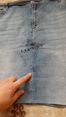 Tatlı CaDı: Yıpranan Kot Pantolonları Atmıyoruz Pants, Fashion, Trouser Pants, Moda, Fashion Styles, Women's Pants, Women Pants, Fashion Illustrations, Trousers