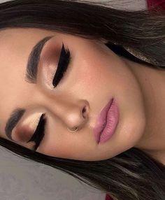 Salve a Imagem e Clique Maquiagem Perfeita: Curso de Maquiagem Online com Certificado! - make up - Maquillaje Makeup Trends, Makeup Inspo, Makeup Inspiration, Glam Makeup, Bridal Makeup, Makeup Cosmetics, Benefit Cosmetics, Perfect Makeup, Gorgeous Makeup