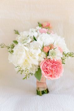 Cheerful bouquet in white and pink