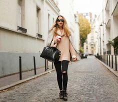 burberry, burberry trench coat, topshop, ripped jeans, starbucks, fashion blogger, chloé susannas, zara, big knit, givenchy