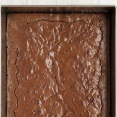 Easy Keto Brownies - Instrupix On a ketogenic diet and looking for easy chocolate keto dessert recipes? These low carb brownies are super moist and delicious! They're made with simple ingredients including almond flour and swerve. Low Carb Desserts, Easy Desserts, Dessert Recipes, Homemade Brownies, Keto Brownies, Gourmet Recipes, Low Carb Recipes, Quick Recipes, Comida Keto