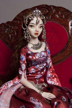 Dunyazayde is Scheherazade's younger sister and key to Scheherazade's plot in 1001 Arabian Nights