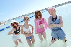 Japanese Girl Band, Japanese Female, Scandal Japanese Band, Mami Sasazaki, Guitar Girl, Girl Bands, Beach Girls, Japanese Artists, Beach Photos