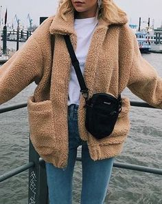 Cute Cozy Warm Fall Back to School Outfit Ideas for Teens for College - Aurora Popular Oversized Soft Comfy Sherpa Teddy Jacket Pixie Coat I am gia dupe - www. Source by winter outfits Winter Outfits For Teen Girls, Cute Fall Outfits, Winter Fashion Outfits, Fall Winter Outfits, Look Fashion, Outfits For Teens, Casual Outfits, Warm Fall Outfits, Casual Winter