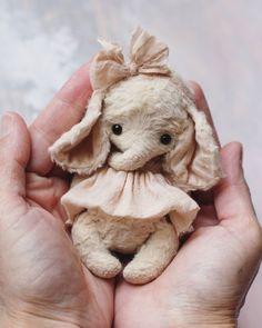 Доброго дня)🌻🌿 #счастье #наладошке #маленький #слоник #тедди #artist #teddy #elephant #teddybear #love Kids Toys, Children's Toys, Little Critter, Cute Elephant, Felt Art, Cute Pink, Softies, Needle Felting, Art Dolls