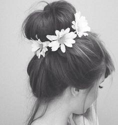 hair styles wtih flowers
