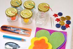 Metodo Montessori: impariamo a usare ago e filo