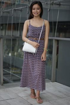 Siam Square, BANGKOK. Susan Lai, student. Zara dress, belt and shoes from Primark, H&M bag, Casio watch - Photo Alexander Hotz