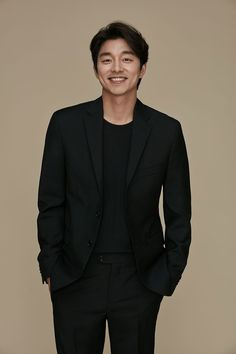 South Korean actor Gong Yoo - Daily Fashion and Style Inspo - handsome male models - cool casual sty Gong Yoo Smile, Yoo Gong, Gong Li, Busan, Asian Actors, Korean Actors, Goong Yoo, Goblin Gong Yoo, Handsome Male Models