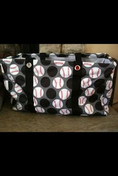 Are you a baseball family? The Large Utility Tote in Paparazzi Dot (a vintage print) can be slightly modified with a red Sharpie and a bit of patience! Also I saw the white dots painted yellow with red stiching for softball! Baseball Crafts, Baseball Party, Baseball Season, Sports Baseball, Baseball Mom, Baseball Stuff, Baseball Shirts, Football, Beige