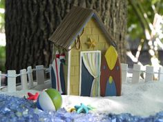 Miniature Beach Hut with Surf Board by TheLittleHedgerow