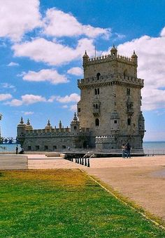 Torre de Belem. Lisboa Belem, Places To Travel, Places To See, Portuguese Culture, Heavenly Places, Daddy Daughter, Chateaus, Spain And Portugal, Forts