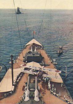 IJN Kongō (金剛) all'ancora, probabilmente nel 1931 - Incrociatore da battaglia, trasformato in nave da battaglia veloce nel 1935 ClasseKongō Ordinata1911 CantiereVickers-Armstrong Impostata17 gennaio 1911 Entrata in servizio16 agosto 1913 Destino finaleAffondata il 21 novembre 1944 nello stretto di Formosa Caratteristiche generali Dislocamento36.578 Lunghezza 222 m Larghezza31 m Pescaggio 9,7 m Velocità30 nodi (55,5 km/h) Autonomia18.520 km a 33 km/h Equipaggio1360