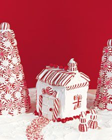 Peppermint Milk-Carton House - Cute idea, love the red & white but I think I'd use graham crackers instead of the milk carton.