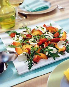 Pfirsich-Tomaten-Salat - [ESSEN UND TRINKEN]