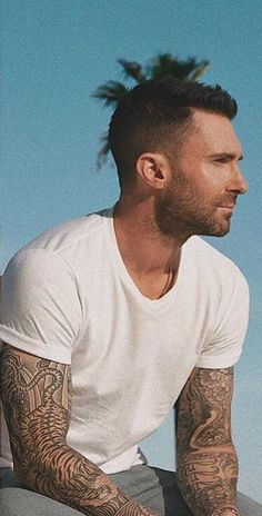 Source by Qvayes Our Reader Score[Total: 0 Average: Related photos:Adam Levine I want to sit beside him and just eat those chips. Maroon 5, Adam Levine Haircut, Adam Levine Tattoos, Mr Adams, Little Man Style, The Voice, Sabrina Carpenter, Cultura Pop, Cute Guys