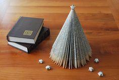Incartesimi: Tutorial: albero di Natale con vecchi libri