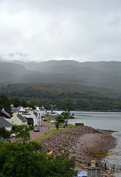 We popped over to the west coast to the village of Shieldaig for lunch yesterday. It's a stunning spot and the journey there is pretty spectacular too. Unfortunately, the sun stood me up an…