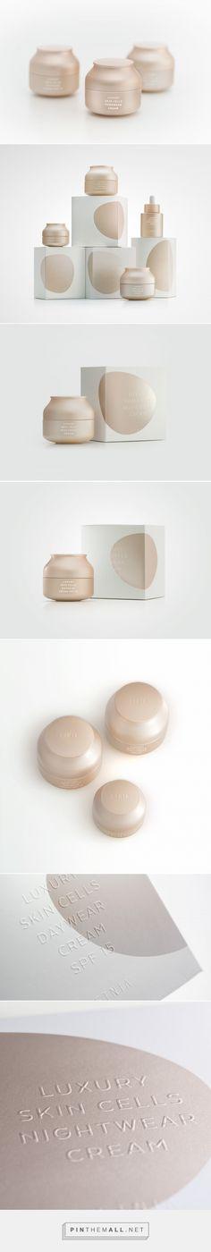 Luxury Skin Cells #packaging #design by Lavernia & Cienfuegos - http://www.packagingoftheworld.com/2017/06/luxury-skin-cells.html