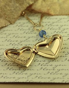 Beautiful large gold heart locket necklace by JeanneSusanneDesign
