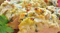 Artichoke Chicken Recipe - Chicken breasts, baked with Parmesan cheese and artichoke hearts, make for a quick and delicious weeknight meal. Frango Chicken, My Burger, Turkey Burgers, Veggie Burgers, Artichoke Chicken, Baked Artichoke, Chicken Alfredo, C'est Bon, Turkey Recipes