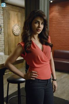 Priyanka Chopra Shoots For Quantico Season pic 4 Priyanka Chopra Sexy, Quantico Priyanka Chopra, Bollywood Celebrities, Bollywood Actress, Female Fighter, Star Girl, Bollywood Stars, Deepika Padukone, Indian Girls