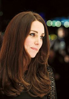 Kate Middleton Changes Her Hair Color, We Swoon - Photo: Rex USA. Breaking news from across the pond: Kate Middleton . Cabelo Kate Middleton, Princesa Kate Middleton, 2015 Hairstyles, Celebrity Hairstyles, Down Hairstyles, Modern Hairstyles, Haircuts, Kate Middleton Photos, Kate Middleton Style