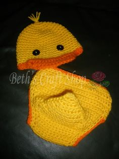 Duck hat and diaper cover set
