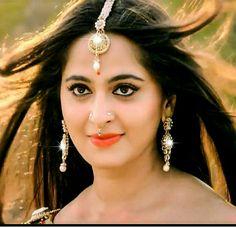 Anushka Shetty Prabhas And Anushka, Anushka Photos, Actress Anushka, Indian Star, Hollywood Couples, Chiffon Saree, Most Beautiful Indian Actress, Indian Celebrities, South Indian Actress
