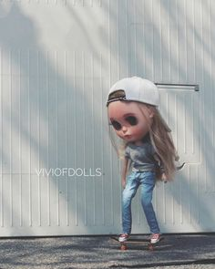 #handmade #dollshoes #dollclothes #blythe #blythedoll #blythestyle #blythestagram #skateboard #onesixscale